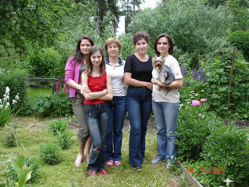 2007-06-10 У Князевых на даче 03.jpg
