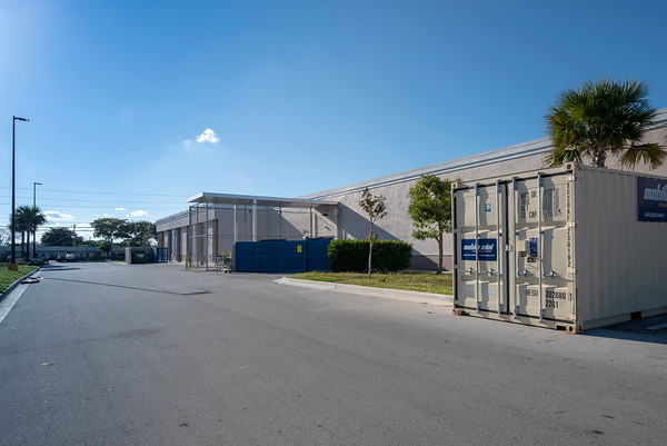 2630 W. Broward store fronts