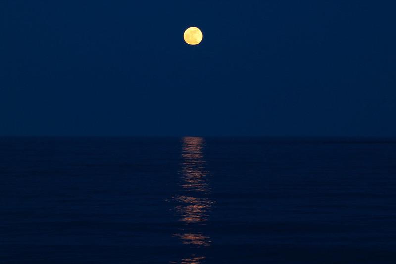 SS-John Merchant-Super Moon over Lake Ontario