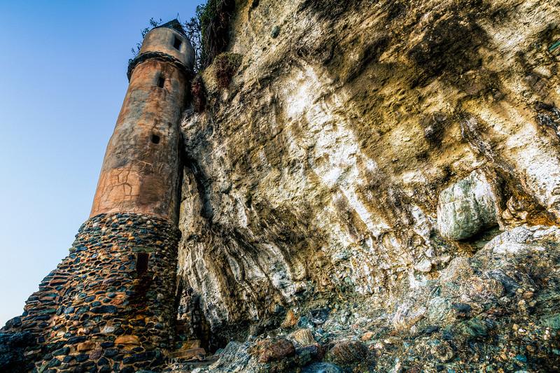 AlikGriffin_Victoria_Beach_Cliffs_2.jpg