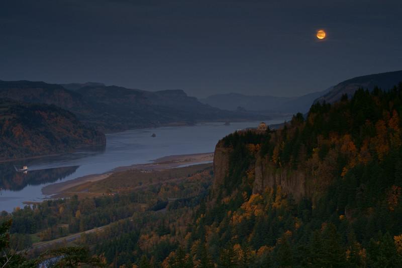 Crown Point moonrise 053 enh jpg.jpg