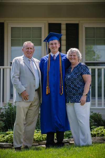Daniel Graduation-23.jpg