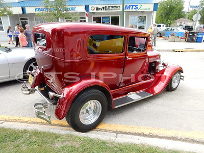 2016 Cruisin Gimli Beach