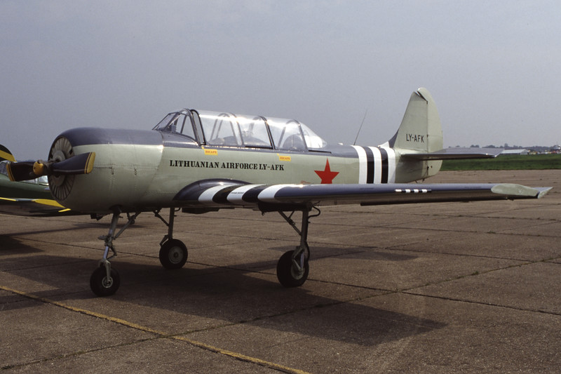 LY-AFK-YakovlevYak-52-Private-EGSX-1998-05-10-ER-15-KBVPCollection.jpg