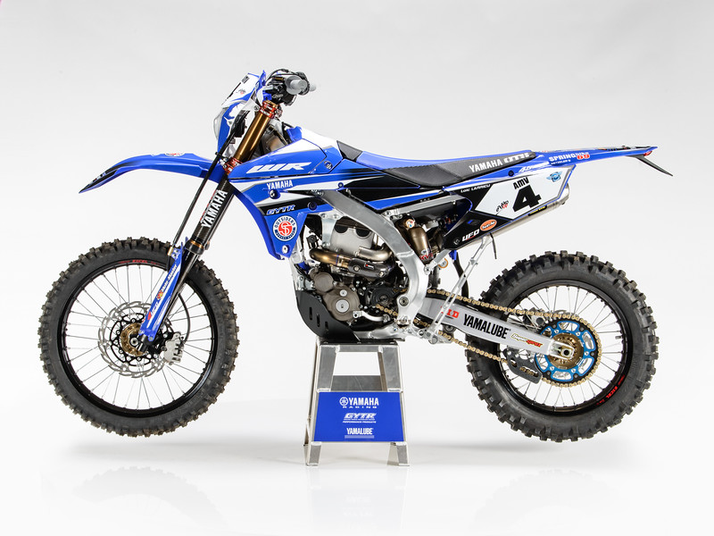 2017_YR_OUTS_static_WR450F_LARRIEU_002.jpg