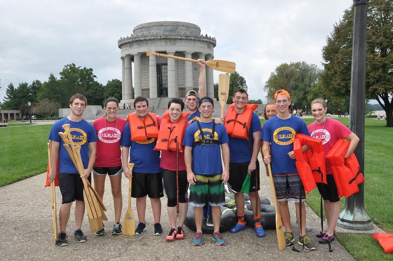 160917 Family Weekend Tube Race teams in front of Clark Memorial (5).JPG