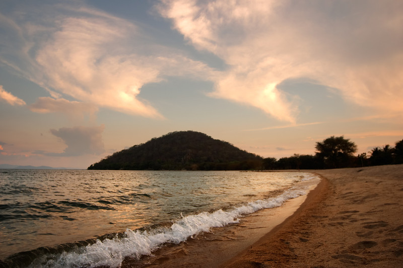 Lake Malawi - Sunset - 121_2188.jpg