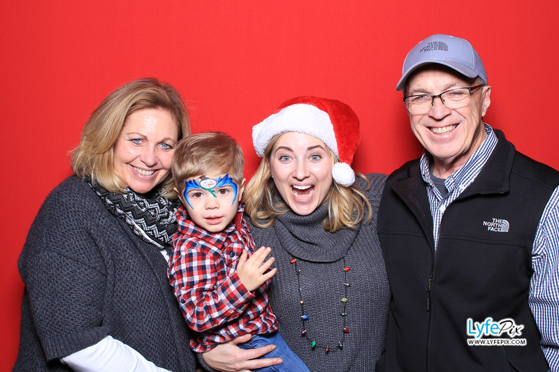 eastern-2018-holiday-party-sterling-virginia-photo-booth-0202.jpg