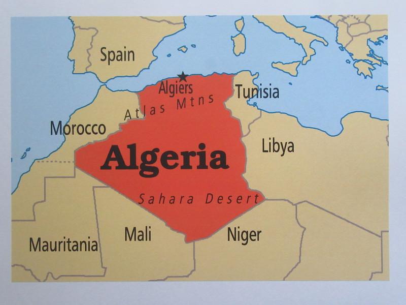 002_Algérie. Population 41 millions.JPG