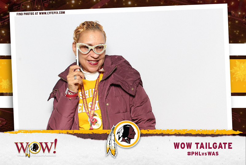 washington-redskins-philadelphia-eagles-wow-fedex-photo-booth-20181230-010230.jpg