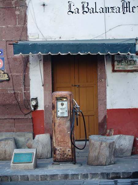 old gas pump lr.jpg