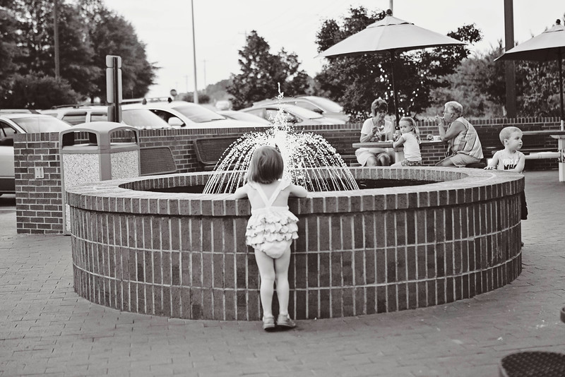 2015 August Random-08_13_15-287goodberrys ice cream Madeline water fountain.jpg