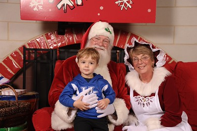 Santa Booth - Photos by Amy Burke