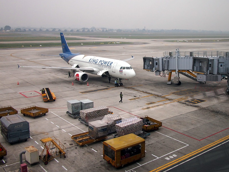 PC038871-airasia-king-power.JPG