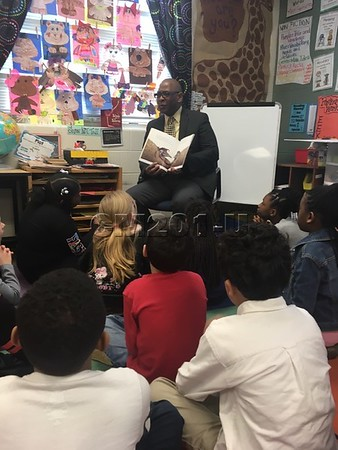 Superintendent Reads to Mrs. Williams' Class