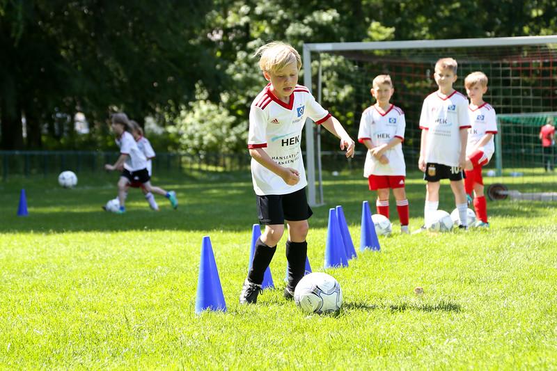 hsv_fussballschule-439_48047956521_o.jpg