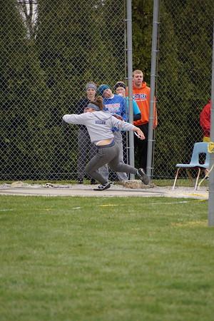 LB Track Invitational - throwing things (2018-04-28)