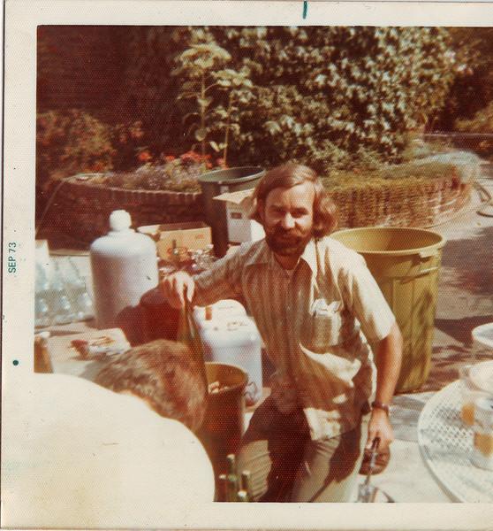 Dad in 73.JPG