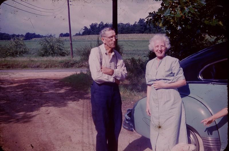 1952 08 Sally's parents Walker and Sadie 2.jpg