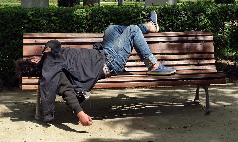 Siesta en el parque- Madrid - España