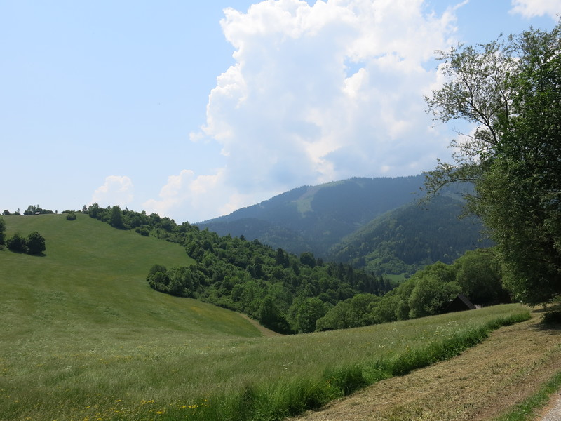 Surrounding hills at Vlkolinec