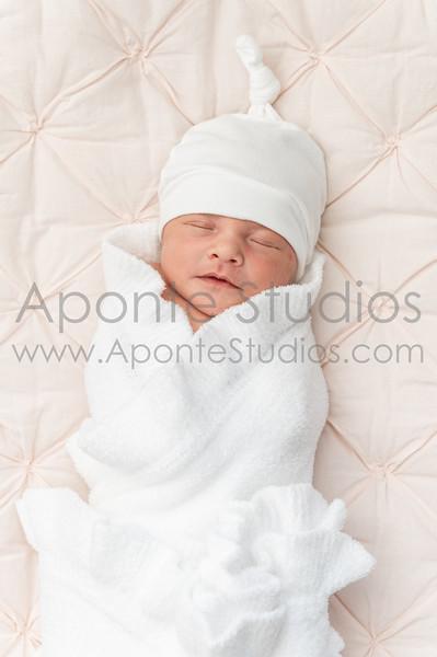 Aiza & Heath baby Elizabeth