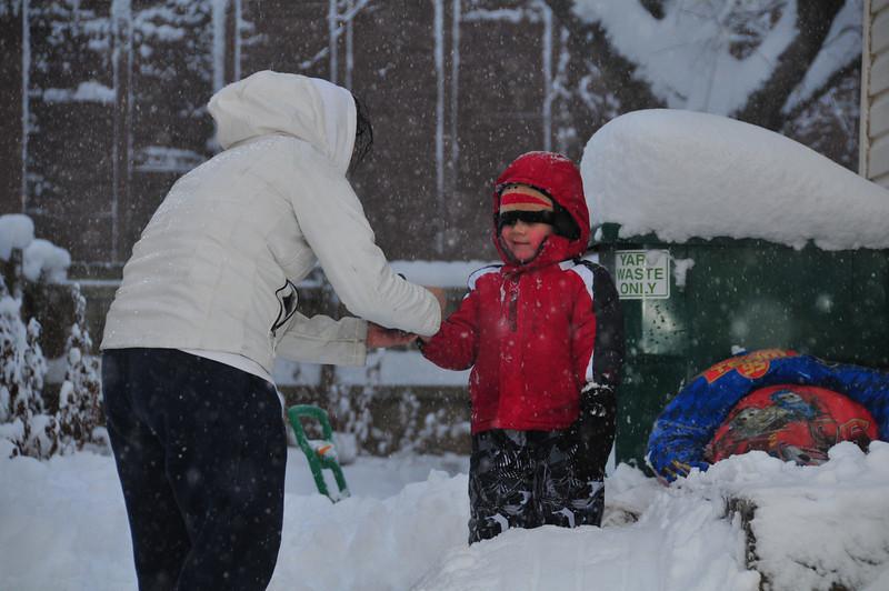 2012-12-09 First Snow of the Year - Sleeding 009.JPG