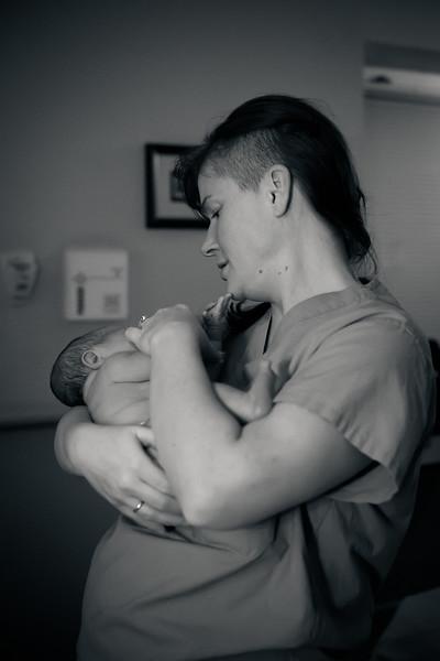 Alana, Blair and baby Logan BIRTH-291.jpg