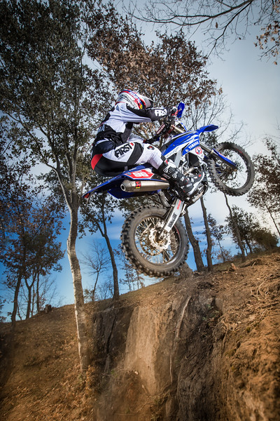 2016_Enduro2_Outsiders_Official_WR450F_Guerrero_Action 4.jpg