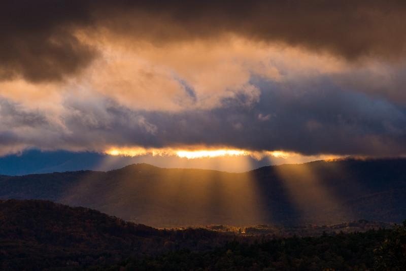 Sun Rays from Bear Den Overlook