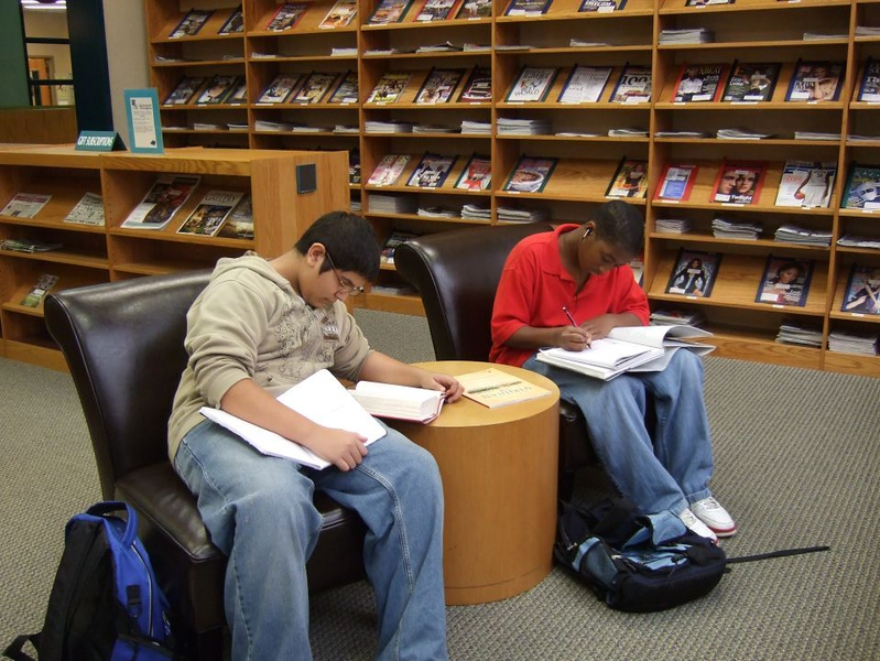 HMS Students at HPL 11-14-08 (6).jpg