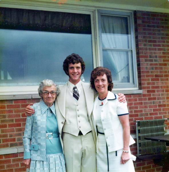 1975 Nellie Mudge, Kris and Viv HS graduation.jpeg