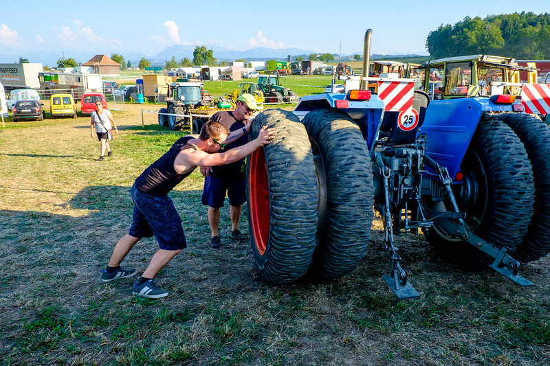 Tractor Pulling 2015-1942.jpg