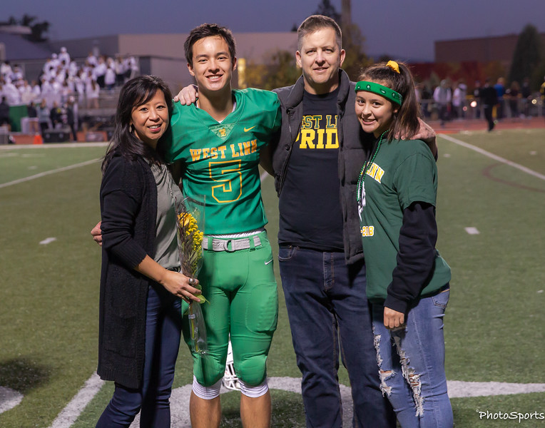2018 West Linn Seniors-1364.jpg