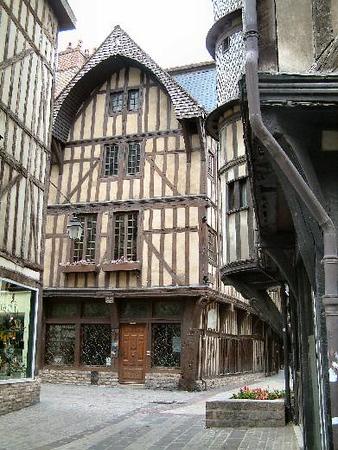 2004 Study Tour to Berry - Limousin