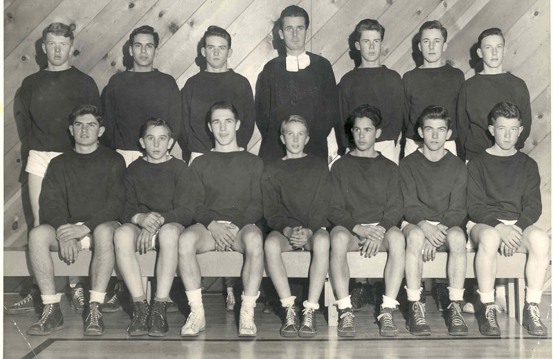 Basketball 1943 Frosh, Br. Hubert).jpg