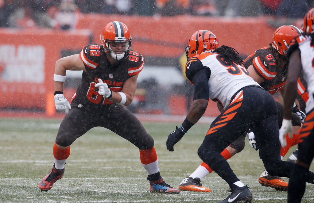 . Cleveland Browns tight end Gary Barnidge (82) is shown in the first half of an NFL football game against the Cleveland Browns, Sunday, Dec. 11, 2016, in Cleveland. (AP Photo/Ron Schwane)
