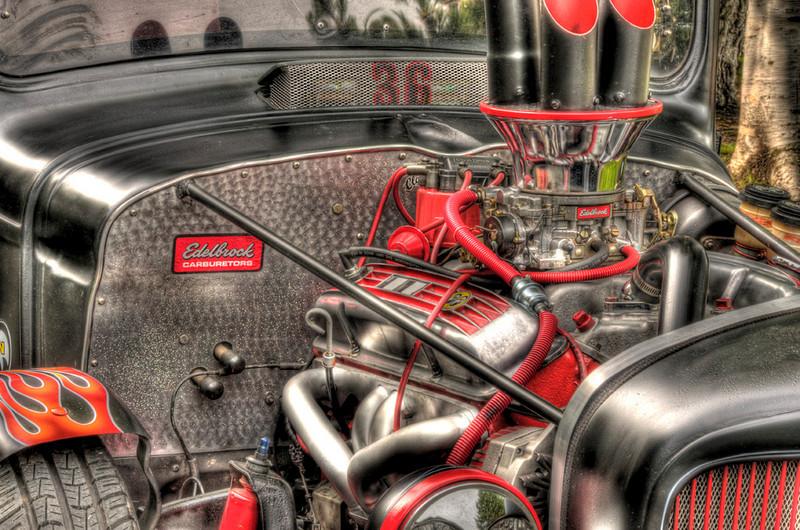 xxx_root_beer_drive-in_truck_van_bus_show_13586_four_barrel-sm.jpg