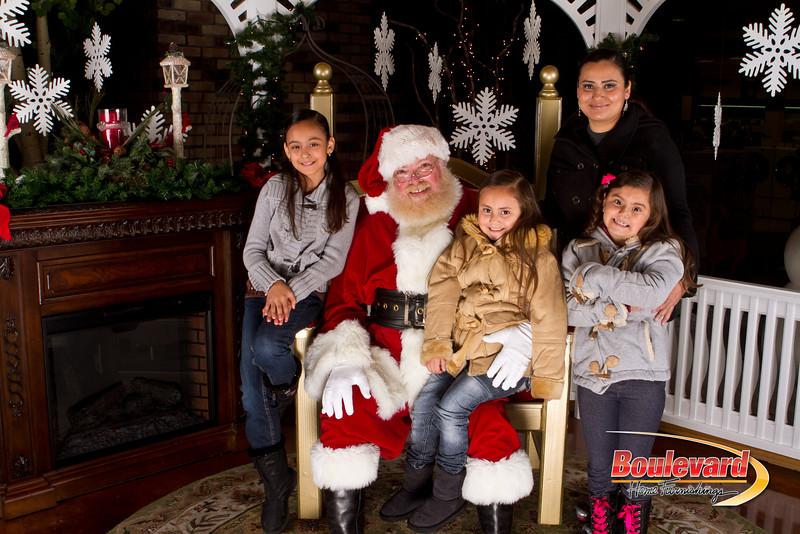 Santa Dec 15-299.jpg