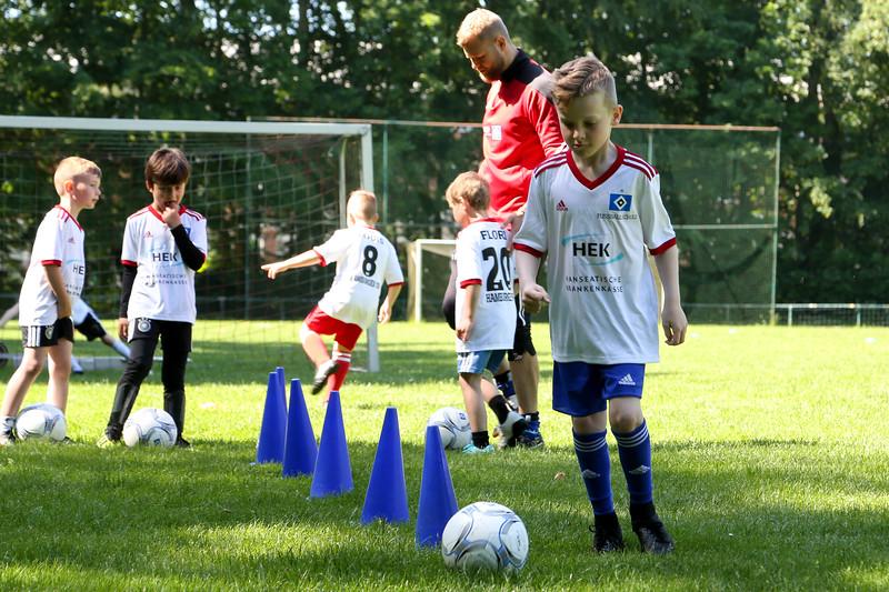 hsv_fussballschule-135_48048030592_o.jpg