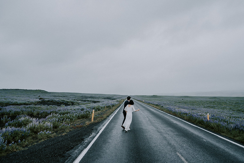 Tu-Nguyen-Destination-Wedding-Photographer-Iceland-Elopement-Fjaðrárgljúfur-16-150a-2.jpg