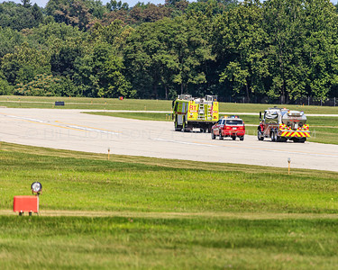 Aircraft Emergency - Faulty Landing Gear - Hudson Valley Regional Airport - New Hackensack Fire District -8/2/2019