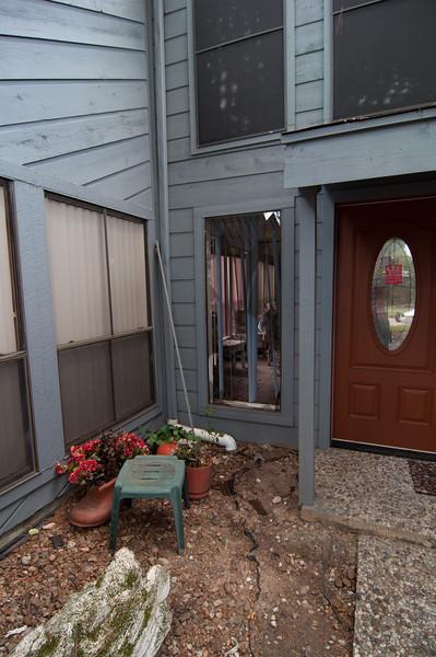 Subirats Home Deer damage-3977.jpg
