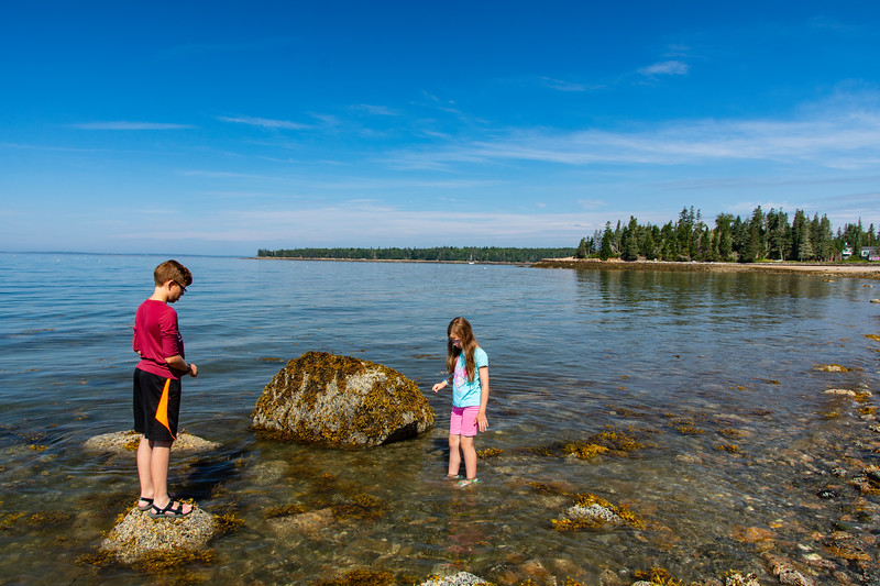Grace-elijah-Cottage-beach-Maine3.jpg