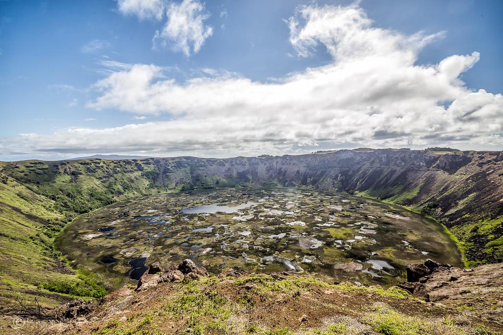 Easer Island Heads - Rano Kau Volcano -Lina Stock