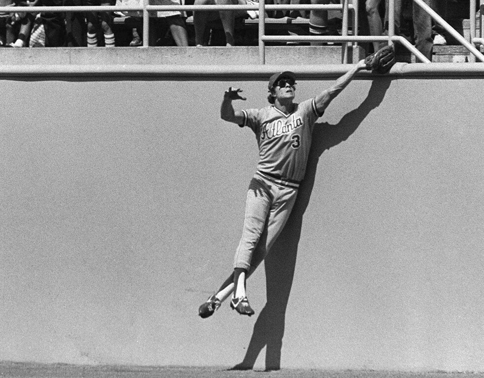 . DALE MURPHY -- Atlanta Braves centerfielder Dale Murphy leaps high against the wall to rob Los Angeles Dodgers Pedro Guerrero of a home run on Sept. 11, 1983, in Los Angeles. (AP Photo/Lennoz Mclendon)