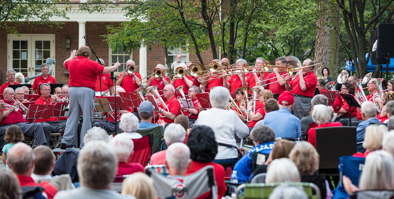 The Stars and Stripes Forever - Trombone feature.  By this time most of the audience were on their feet, clapping along!