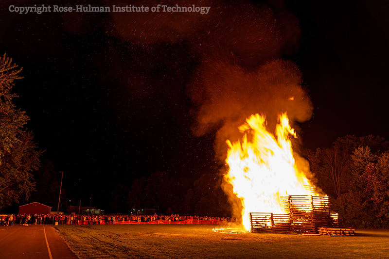 RHIT_Homecoming_2019_Bonfire-7455.jpg