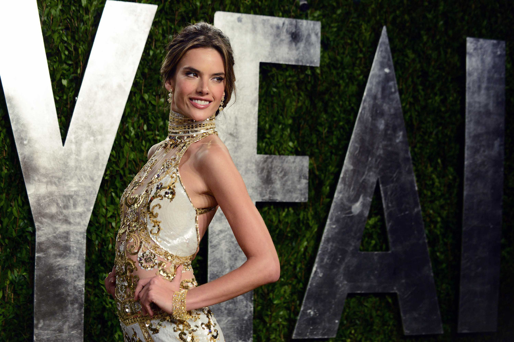 Description of . Model Alessandra Ambrosio arrives at the 2013 Vanity Fair party on Sunday, Feb. 24 2013 at the Sunset Plaza Hotel in West Hollywood, Calif. (Photo by Jordan Strauss/Invision/AP)