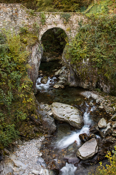Ponte Sant' Anna, Laura